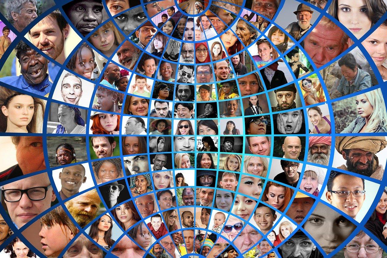 Pinterest 社の活用術:人や時代をテーマにした情報発信が特徴的